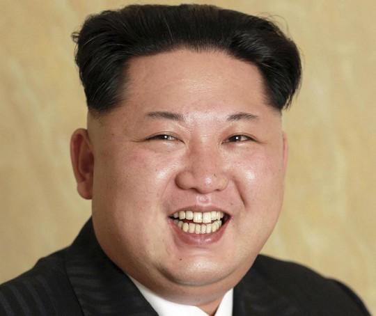 Ảnh không chỉnh sửa hiếm hoi của Kim Jong-un vừa được công bố. Ảnh: KCNA