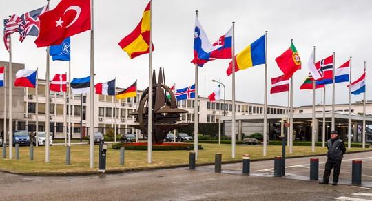 NATO e ngại rằng cán cân lực lượng trên thế giới sẽ bị phá vỡ nghiêng về lợi thế của Nga. Ảnh: AP
