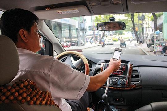 Uber Việt Nam cùng Ngân hàng Bản Việt đang có chương trình cho tài xế vay tiền mua xe hơi để trở thành đối tác chạy xe cho Uber. Ảnh: Thành Hoa