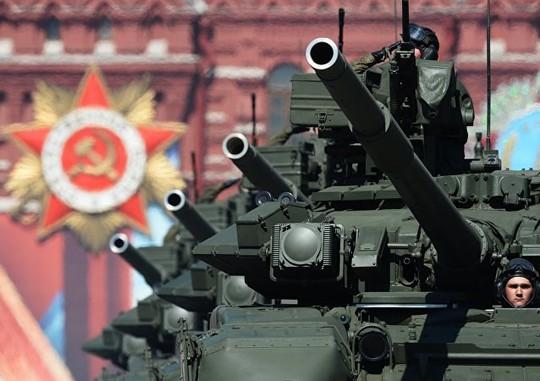 Đội xe tăng T-90A. Ảnh: Sputnik