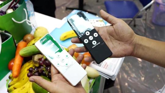 Hai loại máy kiểm tra thực phẩm phổ biến trên thị trường Ảnh: Đình Thi