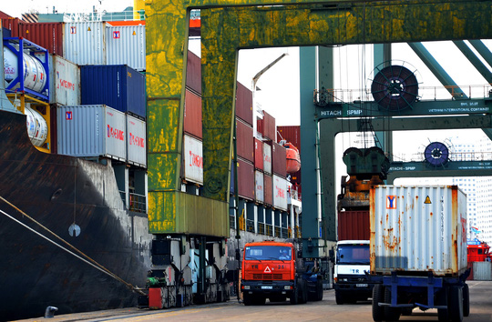 Ngành logistics Việt Nam chưa thể làm chủ việc vận chuyển hàng xuất nhập khẩu Ảnh: Tấn Thạnh