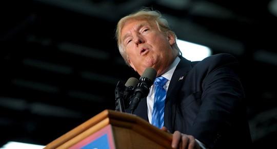 Ông Trump muốn tăng ngân sách quốc phòng. Ảnh: Reuters