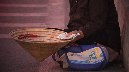 Sau một thời gian yên ắng vì chiến dịch truy quét thu gom, tình trạng ăn xin lại nở rộ tràn lan tạiTP HCM