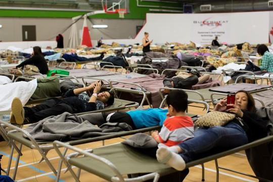 Hơn 88.000 người ở Alberta đã rời bỏ nhà cửa đi sơ tán. Ảnh: REUTERS