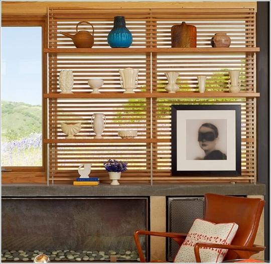 Màn gỗ được lắp đặt cố định trên tường, gắn thêm kệ là bạn đã có một góc nhỏ thư giãn xinh yêu, nổi bật.