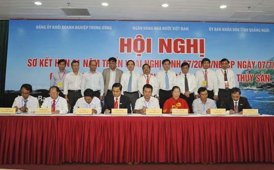 Lễ ký kết hợp đồng tín dụng theo Nghị định 67 giữa các chi nhánh VietinBank và các chủ tàu
