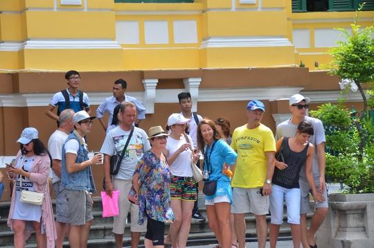 Ngành du lịch cần có nhiều chính sách hấp dẫn hơn nữa để thu hút du khách Ảnh: Tấn Thạnh
