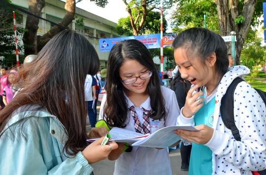 Thí sinh dự thi kỳ thi THPT quốc gia 2016 Ảnh: TẤN THẠNH