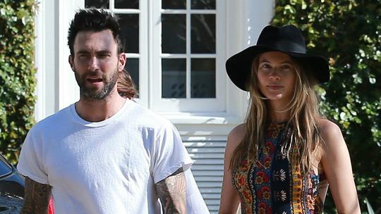 Adam Levine và cô vợ xinh đẹp Behati Prinsloo
