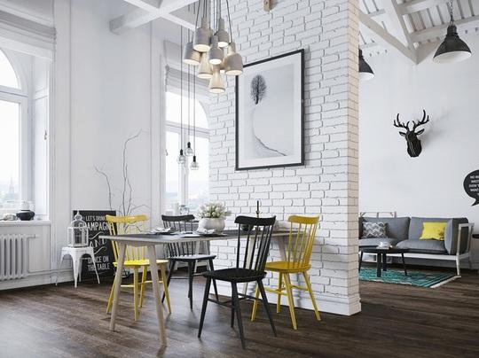 Bên cạnh đó, chủ nhân căn hộ cũng rất tỉ mỉ trong cách lựa chọn những món phụ kiện đẹp mắt như những chùm đèn với thiết kế ấn tượng.