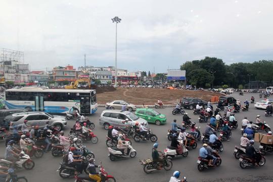 Vòng xoay Nguyễn Thái Sơn (quận Gò Vấp, TP HCM) có mật độ xe cộ lưu thông lớn, kéo theo tình trạng ô nhiễm tiếng ồn Ảnh: Hoàng Triều