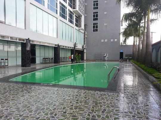 Bể bơi nơi cháu Lê Anh Việt đuối nước.