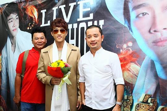 Giọng ca Đình Phước trong liveshow mừng sinh nhật của mình. (Online)