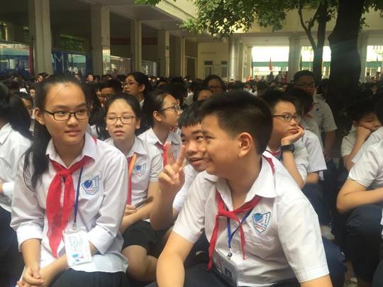 Học sinh trường THCS-THPT Nguyễn Tất Thành, Hà Nội hồn nhiên trong ngày khai giảng