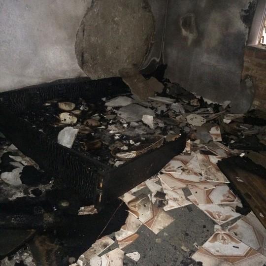 Đồ đạc trong nhà bị Nguyễn Thanh Phong đốt cháy rụi