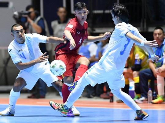 Minh Trí trong trận Việt Nam thắng Guatemala ở lượt đấu mở màn Ảnh: Quang Thắng