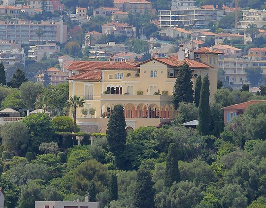 Biệt thự đang được rao bán với giá 1 tỉ euro. Ảnh: INFPhoto.com