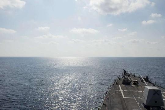 Hình ảnh do Bộ Quốc phòng Mỹ cung cấp cho thấy tàu khu trục tên lửa USS William P. Lawrence đang tuần tra vùng biển quốc tế ở biển Đông vào ngày 2-5 Ảnh: US NAVY