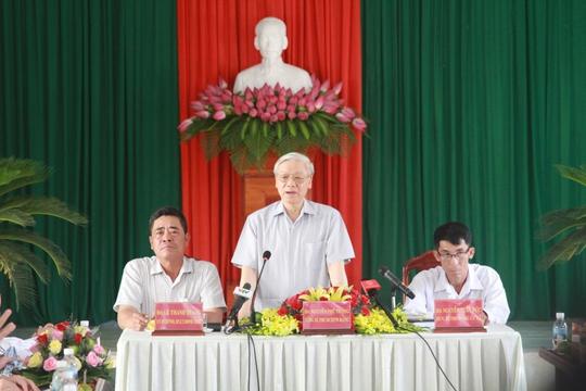Tổng Bí thư Nguyễn Phú Trọng làm việc tại xã Diên Điền, huyện Diên Khánh, tỉnh Khánh Hòa (Ảnh: KNX)