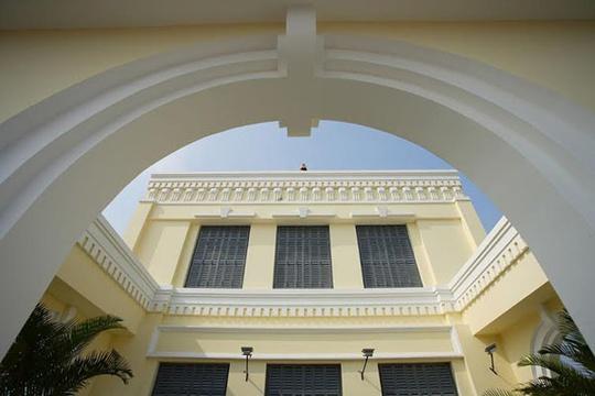 Nhà có kiến trúc Đông Dương độc đáo giữa lòng Sài Gòn hoa lệ