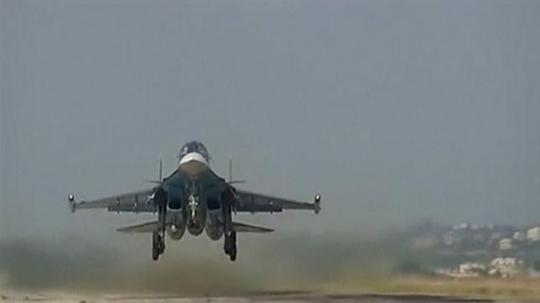 Máy bay Nga cất cánh từ căn cứ không quân Hmeimim ở Syria. Ảnh: REUTERS