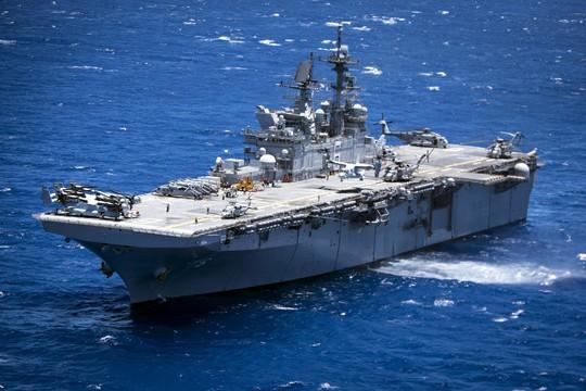 Tàu USS America tập trận gần quần đảo Hawaii hôm 15-7. Ảnh: U.S. NAVY