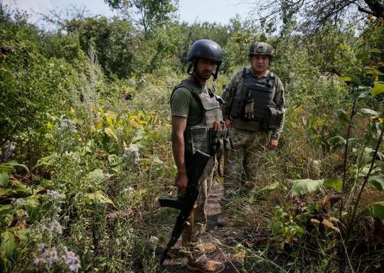 Binh sĩ Ukraine ở TP Avdeyevka, tỉnh Donetsk. Ảnh: REUTERS