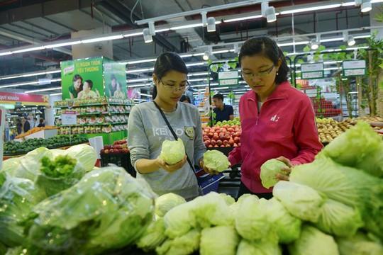 Giá dịch vụ tại TP HCM rẻ hơn Hà Nội do thực hiện bán hàng bình ổn giá. Ảnh minh họa:Anh Tuấn.