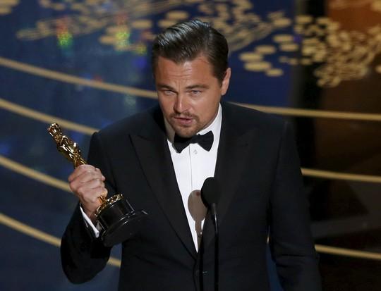 Leo hạnh phúc đoạt giải