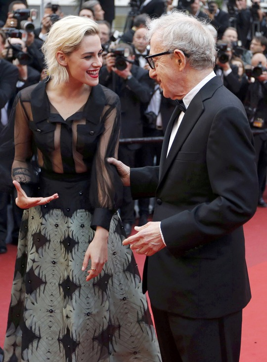 Kristen Stewart và đạo diễn Woody Allen