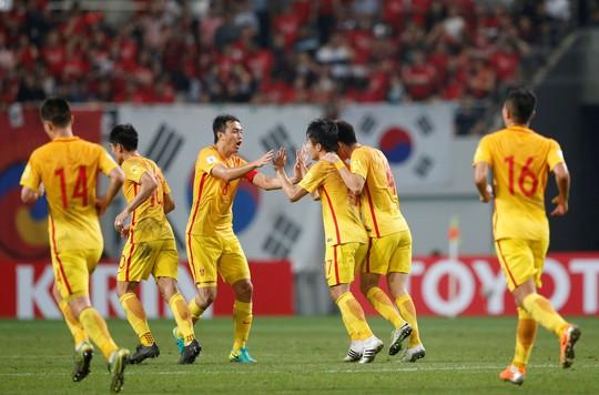 Báo chí Trung Quốc nổ tưng bừng dù đội nhà thua Hàn Quốc 2-3