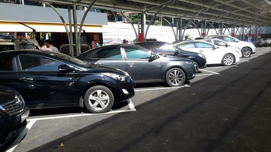 Gần 100 xe bày bán tại Chợ xe kiểu Mỹ