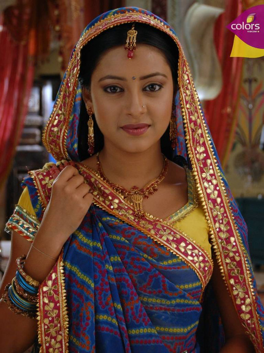 Pratyusha Banerjee, sao phim Cô dâu 8 tuổi