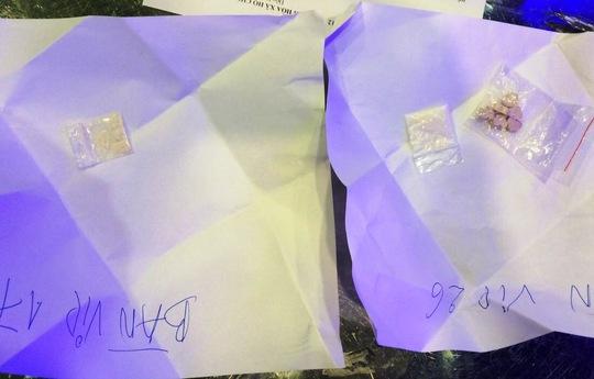 Ma túy được cảnh sát phát hiện trên bàn VIP 17 và 26