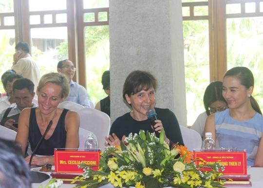 Đại sứ nhiều nước đã có mặt tại Quảng Bình để giao lưu trước khi chinh phục Sơn Đoòng