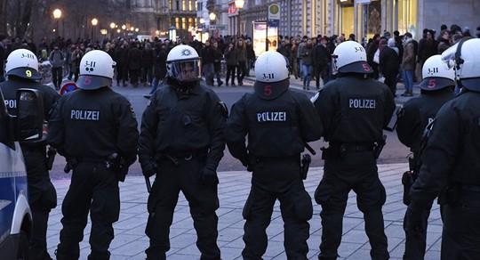 Khoảng 1.800 nhân viên an ninh được huy động. Ảnh: SPUTNIK NEWS