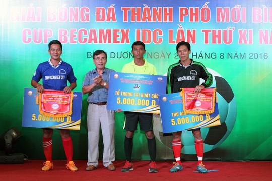 Bên cạnh Cúp vô địch, Bình Hòa TPK còn nhận thêm hai giải cá nhân gồm vua phá lưới và thủ môn xuất sắc