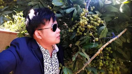 Khu vườn hoa quả sai trĩu của ca sĩ Quang Lê