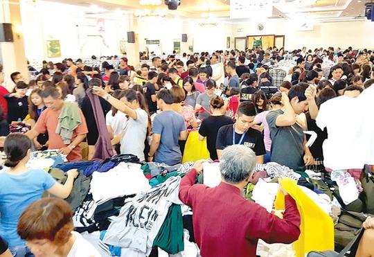 Chọn mua hàng nhậu khẩu khuyến mãi giảm giá đạc biệt tại một điểm bán hàng ở TP HCM