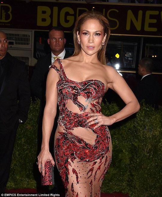 Jennifer Lopez xinh đẹp và quyến rũ