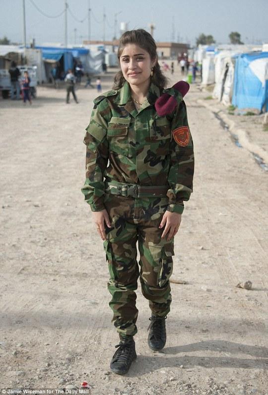 Susan Mohammed Rashid (16 tuổi) mong muốn trở thành một chiến binh chính thức khi tròn 18 tuổi