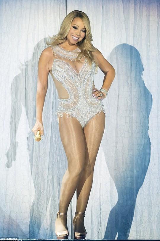 Đôi chân đẹp của Mariah Carey