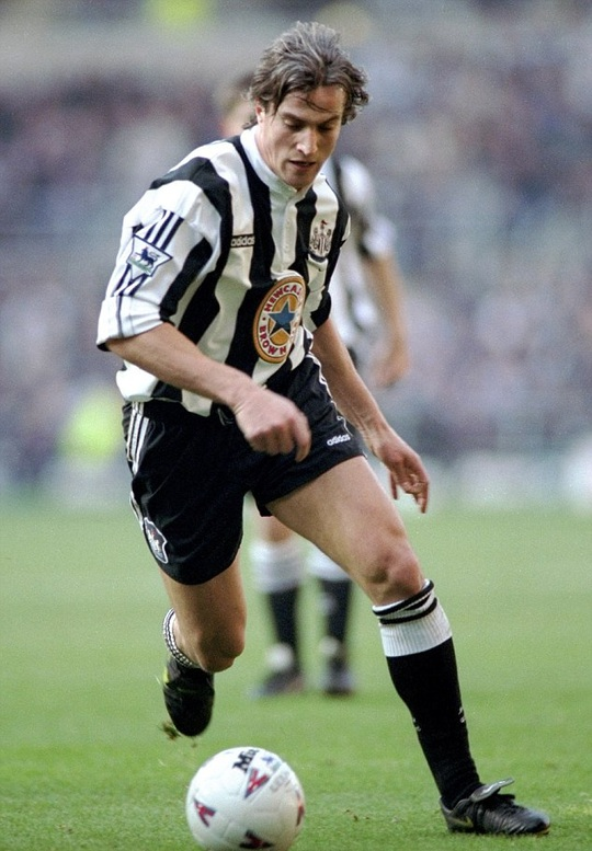 David Ginola trong màu áo Newcastle