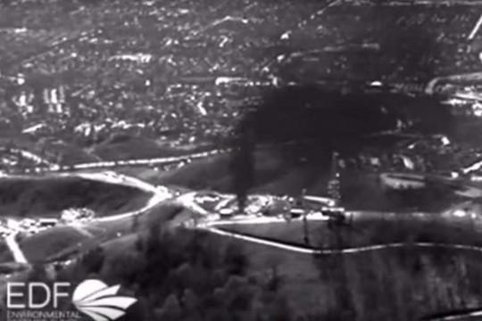 Hình ảnh rò rỉ khí gas tại cơ sở lưu trữ Aliso Canyon . Ảnh: EPA