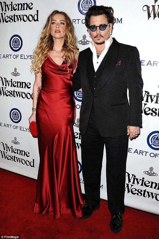 Johnny Depp và vợ lúc mặn nồng