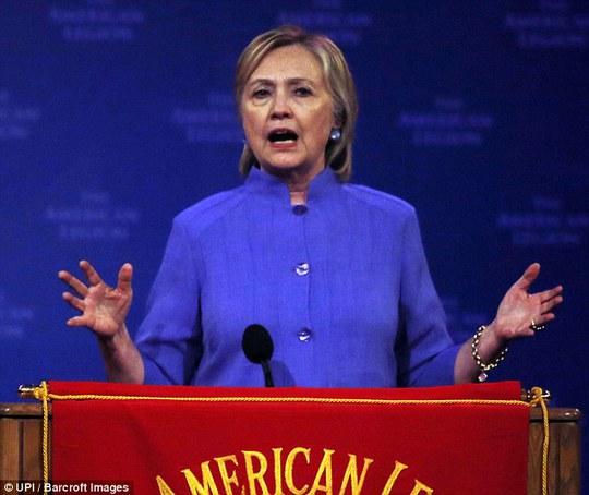 Mạng máy chủ của bà Clinton có thể đã bị tấn công. Ảnh UPI