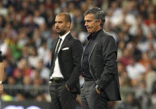 Mourinho và Guardiola lần đầu gặp nhau tại Old Trafford
