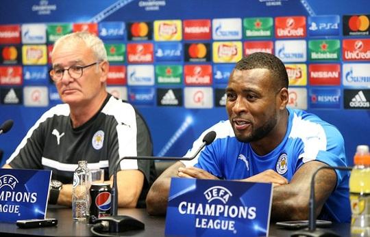 HLV Ranieri và đội trưởng Wes Morgan trong buổi họp báo trước trận