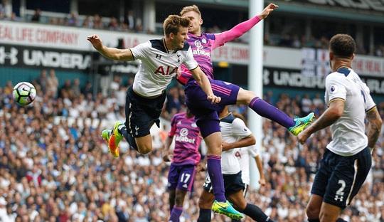 Trận đấu rất quyết liệt với đội khách chơi bạo lực khiến đội của nhà Tottenham bị chấn thương khá nhiều